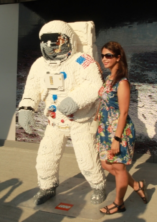 Lego astronaut with girl